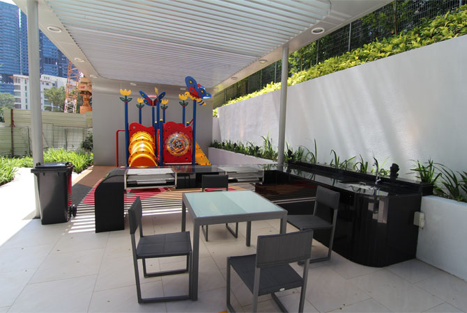 Barbecue, Outdoor Dining and Children's Playground